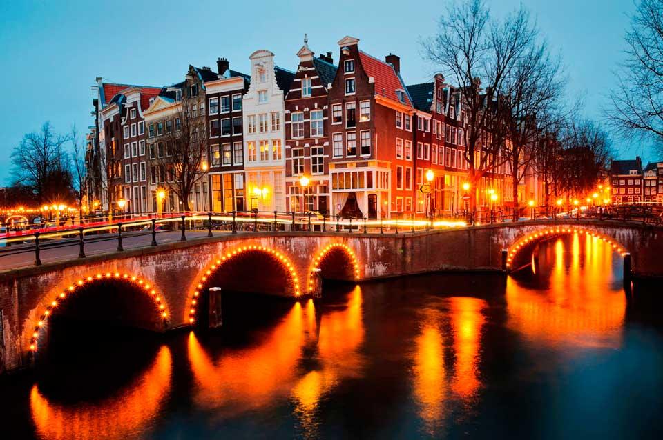 Amsterdam Van Rentals | Online Cheap Van Rental in ...